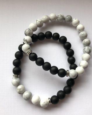 Fekete-fehér páros karkötő