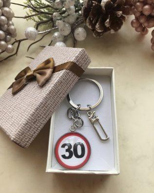 30. szülinapos kulcstartó